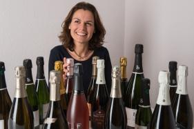 Mademoiselle Bulles, Elise Grossi (Genève). Importatrice champagnes bio/biodynamie. Image par Carole Parodi, (c) karibou.ch